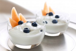 Plain yogurt with fresh fruit